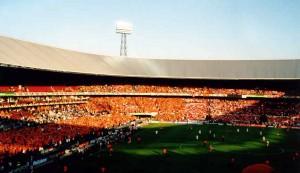 De Kuip in oranje